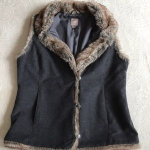 Gorgeous J-Jill vest with faux fur size Small